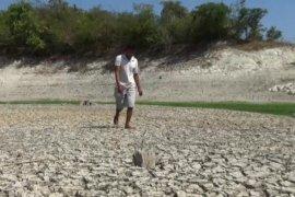 Waduk Sangiran Ngawi nyaris kering