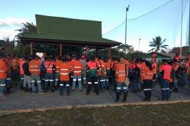 Ratusan karyawan PT NHM mogok kerja