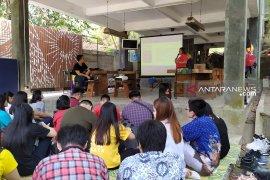 Puluhan mahasiswa UK Petra belajar bisnis startup ke Yogyakarta