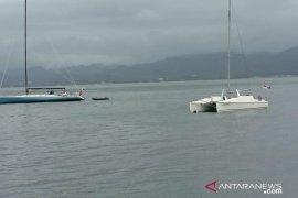 Enam perahu layar peserta SIDAYR masuk finis