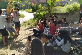 Mahasiswa UK Petra belajar buat startup melalui pertunjukan teater boneka