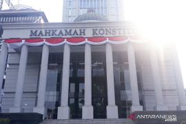 Sidang Pileg, MK perintahkan penghitungan suara ulang tiga TPS di Surabaya