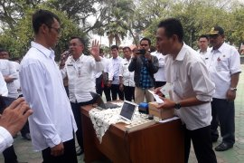 Tiga desa percontohan pilkades dengan e - voting