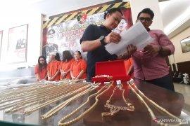 Ditipu dengan emas imitasi, PT Pegadaian rugi miliaran rupiah