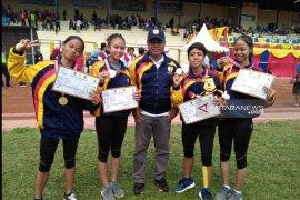 Prestasi Internasional Sprinter Dina banggakan Bupati HST