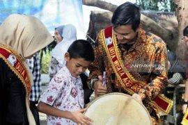 Duta Wisata Aceh Barat kenalkan budaya Aceh kepada anak penyandang difabel