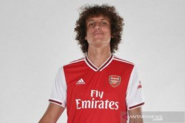 RESMI !! David Luiz gabung Arsenal dari Chelsea