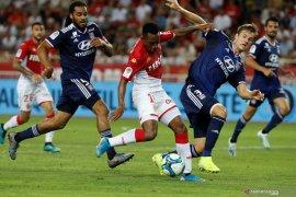 Lyon gasak Monaco 3-0