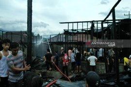 Kebakaran di Madina, lima rumah hangus terbakar