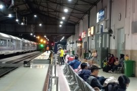Tiket kereta libur Idul Adha di Daop Madiun ludes