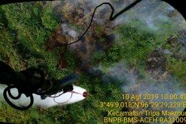 Heli mulai lakukan pemadaman lewat udara di pesisir barat-selatan Aceh