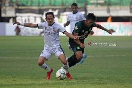 Tahan Persebaya 2-2, pelatih Madura United puas