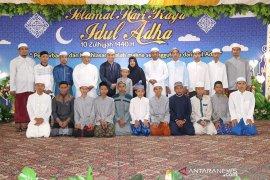 Rayakan Idul Adha Bupati HSS gelar open house