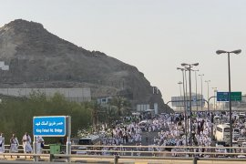 Mekkah sangat padat, jamaah cuma bisa jalan kaki saat puncak haji