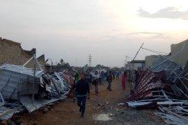 Angin puting beliung rusak 71 rumah di Sungai Ambawang