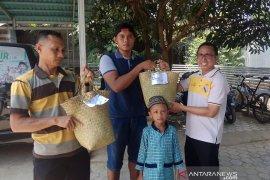 Sekolah di Barabai ini bagikan 1100 paket kurban tanpa kantong plastik