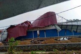 BPBD Kubu Raya mengecek pemukiman warga terkena puting beliung