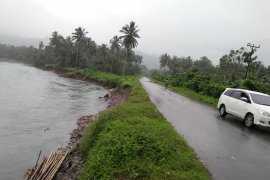 Pengemudi lintas Pulau Ambon-Seram keluhkan Pungli