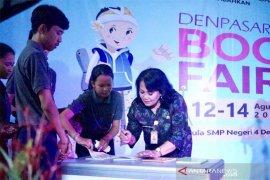 """Bedah buku semarakkan """"Denpasar Book Fair 2019"""""""