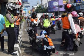 Parkir sembarangan di Sukabumi akan kena sanksi kempes dan gembok ban