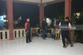 Polisi amankan enam pelajar pesta miras di aula Kantor Camat Curup Selatan