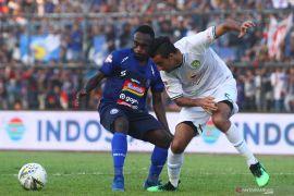 Arema FC gunduli Persebaya 4-0, Makan Konate bintang pertandingan