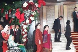 Sidang tahunan, Megawati Soekarnoputri kenakan kebaya merah