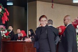 Kenakan blazer hitam, Menteri Susi hadiri Sidang MPR