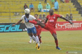 Shopee Liga 1 2019 - Semen Padang jamu Barito Putera,Danny absen