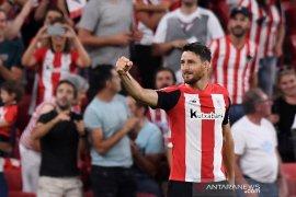 Penyerang Athletic Bilbao Aritz Aduriz putuskan pensiun