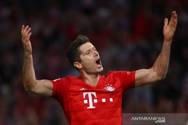 Lewandowski trigol, Muenchen gasak Schalke 3-0