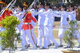 Sepatu terlepas tak pengaruhi semangat Paskibra siswa SMA Gorontalo Utara