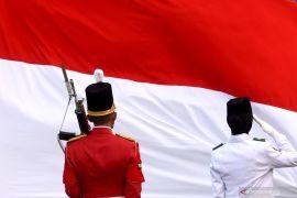 Hanya ada delapan Paskibraka saat upacara kemerdekaan di Istana Kepresidenan