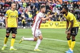 Liga Belanda - Kiper VVV Venlo Van Crooy merasa tidak dihormati koper Ajax  anggap Onana