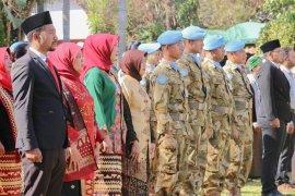Pasukan perdamaian Indonesia mengikuti upacara HUT RI di Afrika