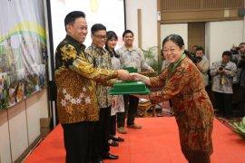 Dua Dosen Polbangtan Bogor raih penghargaan Dosen Beprestasi tingkat nasional