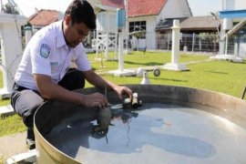 Kecepatan angin wilayah Cirebon capai 56 Km/jam, warga diminta waspada