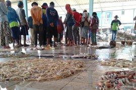 Nelayan laporkan kasus dugaan korupsi di TPI Ciparagejaya Karawang