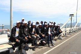 Peserta SMN-2019 Jawa Tengah Kunjungi Wisata Alam-Budaya Sulut Page 7 Small