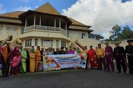 Wali Kota Gorontalo kunjungi  Kesultanan Tidore