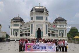PTPN IV kenalkan Istana Maimun dan Mesjid Raya Al Mashun kepada peserta SMN Sulteng