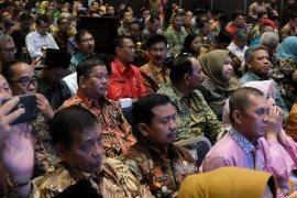 Rupinus hadiri rapat kerja nasional Apkasi di Nusa Dua