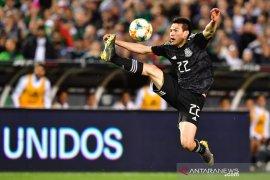 Napoli siap tukar tambah Lozano demi  boyong Felipe Anderson
