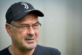 Masih sakit, Sarri tak bisa dampingi Juventus di dua pekan awal