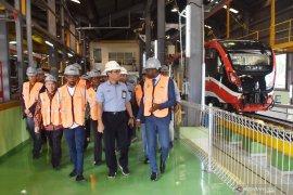 Delegasi Angola tertarik produk INKA