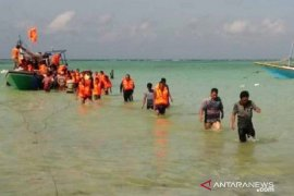 Tiga korban tewas kebakaran KM Santika Nusantara dievakuasi ke Surabaya