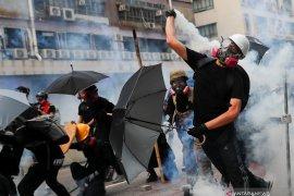 Selama demonstrasi, polisi Hong Kong tangkap 36 orang termuda 12 tahun