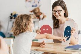 """Pentingnya \""""me time\"""" bagi orang tua yang merawat anak autisme"""
