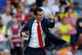 Arsenal menang, Unai Emery  ceria
