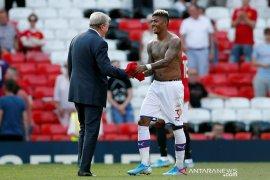 Manajer Crystal Palace Hodgson ungkap rahasia pecundangi MU